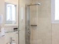 DELUXE-bathroom-2